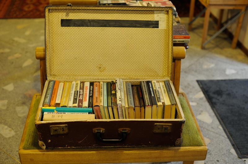 Vintage suitcase. Credits Mint Vinetu