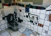 Hundertwasser's toilets in Kawakawa, New Zealand. Credits Flickr / Eliduke
